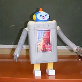 Η Γ΄δημοτικού παρουσιάζει ρομπότ και ηλιακά λεωφορεία!!!